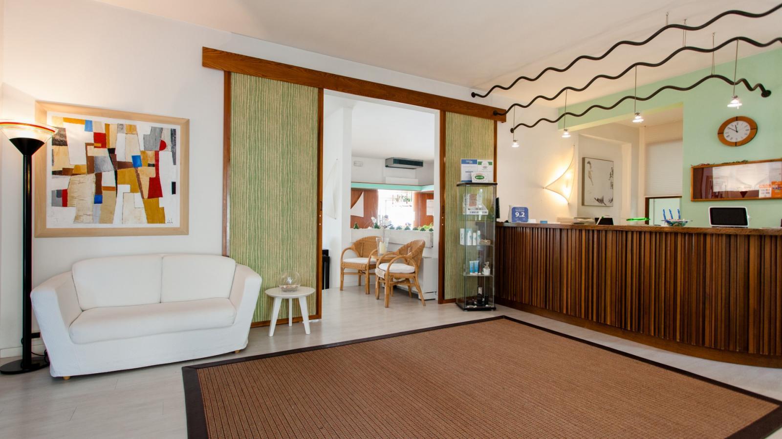 Hotel 4 Stelle Frontemare con Piscina e SPA - Villa Sorriso